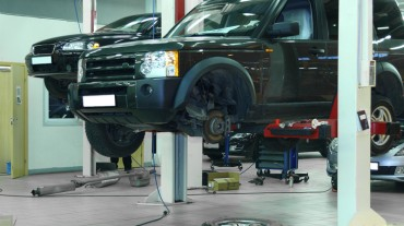 Достаточно места на сервисе на ремонта нескольких автомобилей